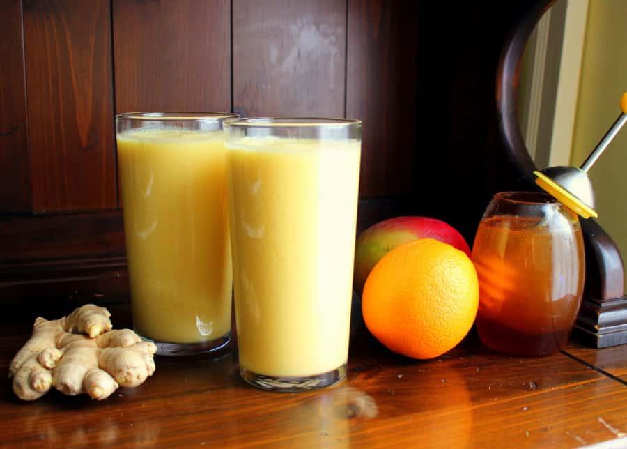 Sinaasappel gember en mango smoothie